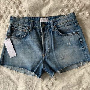 Boyish denim shorts